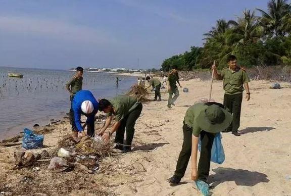 Ngăn chặn xâm hại khu bảo tồn biển, một cán bộ bị đâm chết - ảnh 1
