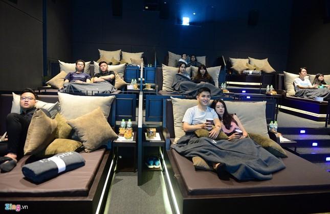 Cận cảnh rạp chiếu phim giường nằm đầu tiên tại Sài Gòn - ảnh 3