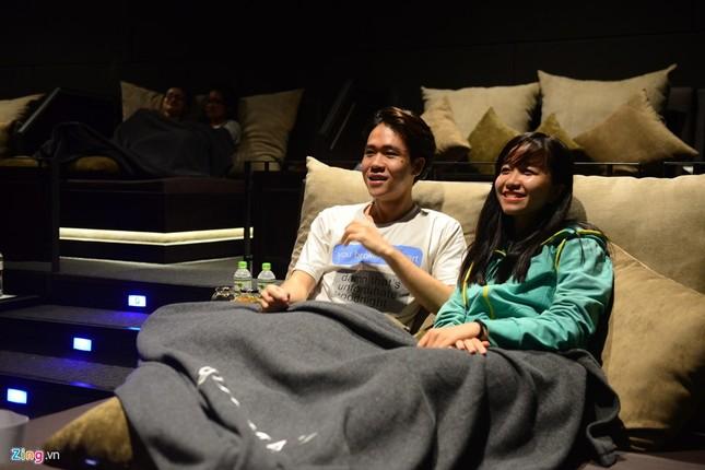 Cận cảnh rạp chiếu phim giường nằm đầu tiên tại Sài Gòn - ảnh 7