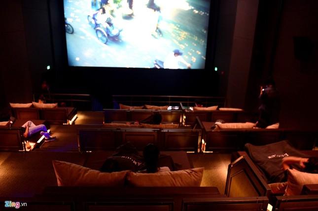 Cận cảnh rạp chiếu phim giường nằm đầu tiên tại Sài Gòn - ảnh 9