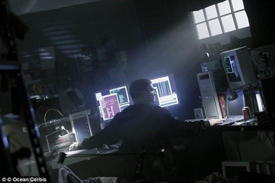 Hành trình trở thành điệp viên CIA của tin tặc khét tiếng - ảnh 1