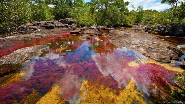 8 sông hồ kỳ diệu nhất hành tinh - ảnh 5