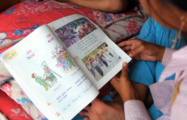 Cuộc mưu sinh của trẻ Việt kiều không quốc tịch bên hồ Dầu Tiếng - ảnh 5