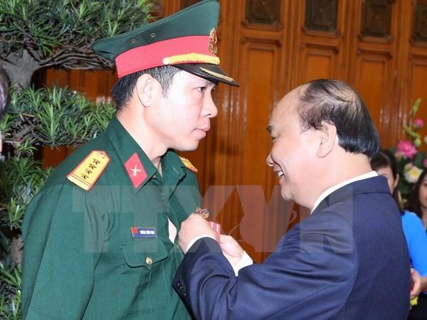 Thủ tướng trao Huân chương Lao động cho xạ thủ Hoàng Xuân Vinh - ảnh 1