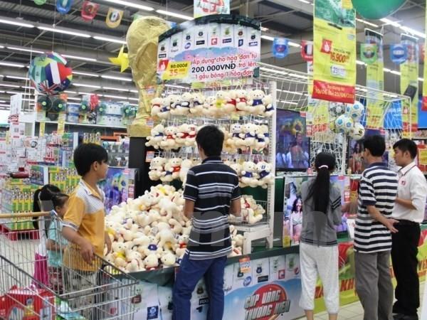 Phạt tù 2 nhân viên lấy trộm hàng của siêu thị Metro Thăng Long - ảnh 1