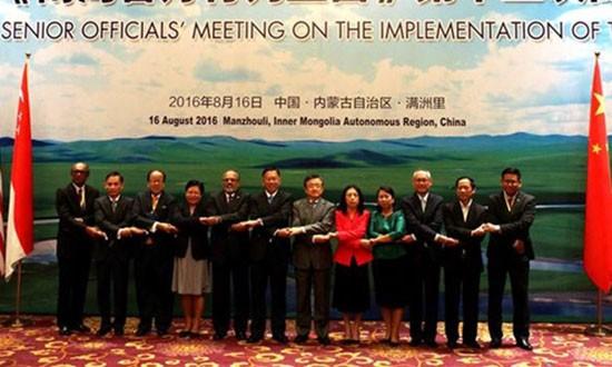 Trung Quốc - ASEAN họp bàn về thực hiện DOC - ảnh 1