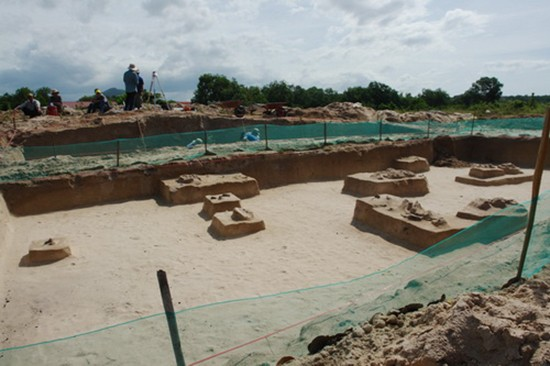 Hàng chục mộ cổ 3.000 tuổi được tìm thấy ở Bình Thuận - ảnh 1