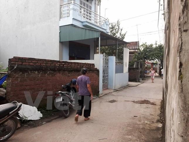 Hà Nội: Mâu thuẫn gia đình, chồng dùng dao sát hại vợ - ảnh 1