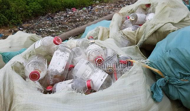 Lãnh đạo Bắc Ninh ngớ người về núi rác thải y tế - ảnh 2