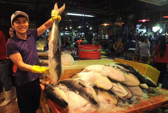 Chợ cá tươi rói ở Sài Gòn chỉ bán vào ban đêm - ảnh 2