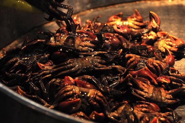 Chợ cá tươi rói ở Sài Gòn chỉ bán vào ban đêm - ảnh 13