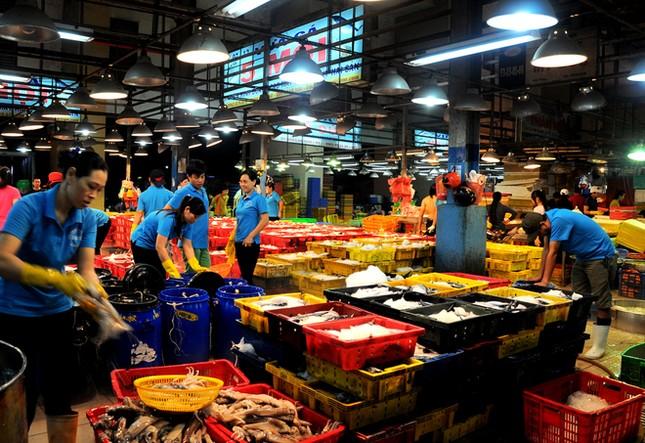Chợ cá tươi rói ở Sài Gòn chỉ bán vào ban đêm - ảnh 20