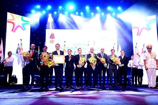 FrieslandCampina Việt Nam đón nhận Huân chương Lao động hạng Nhất - ảnh 1
