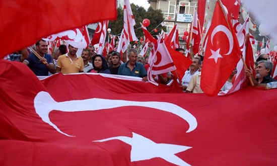 Nhiều người Thổ Nhĩ Kỳ nghi Mỹ đạo diễn đảo chính quân sự - ảnh 1
