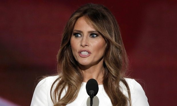 Vợ người mẫu của Trump kiện báo Anh, đòi 150 triệu USD - ảnh 1