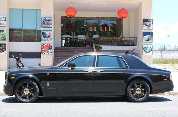 Đại gia Quảng Ninh chi tiền tỷ mạ vàng Roll-Royce Phantom - anh 1