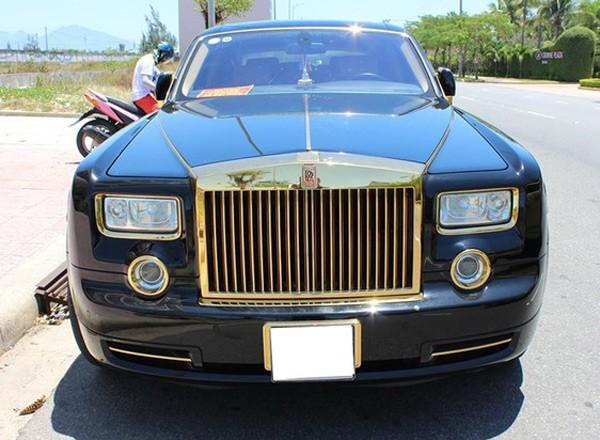Đại gia Quảng Ninh chi tiền tỷ mạ vàng Roll-Royce Phantom - anh 2