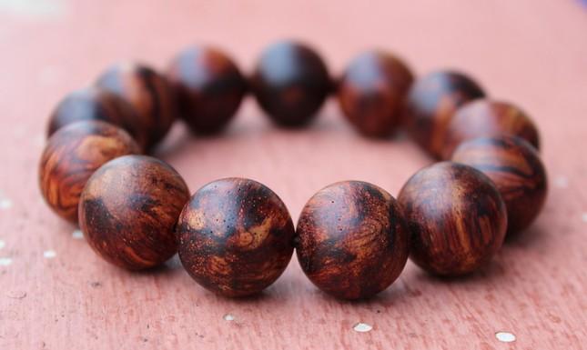Thực hư vòng gỗ sưa tránh tà trong tháng cô hồn - anh 2