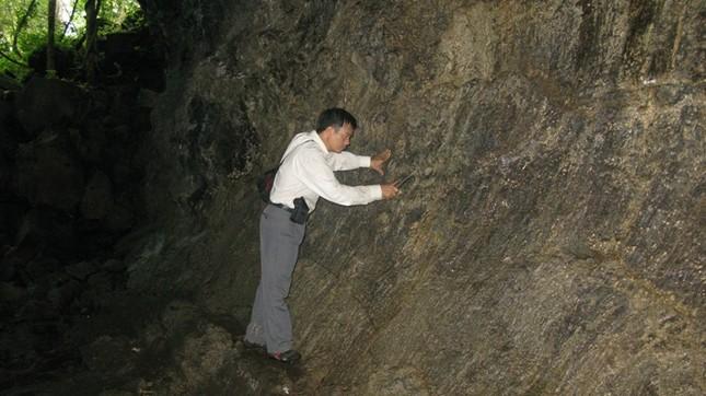 Quần thể hang động núi lửa Krông Nô: Hé lộ vẻ đẹp kì vĩ của kiến tạo địa chất - anh 1