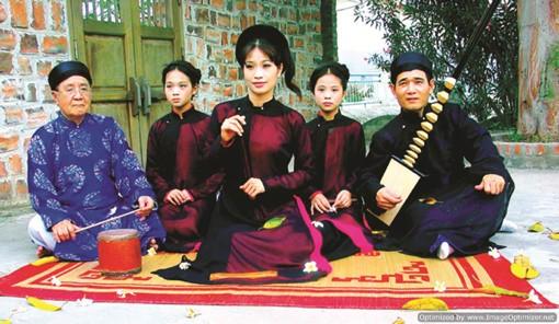 Đại gia đình 7 đời gìn giữ mạch chảy Ca trù đất Thăng Long - anh 3