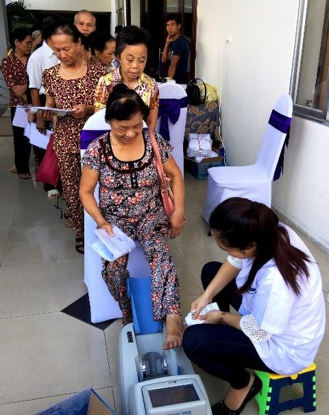Vinamilk chung tay chăm sóc 1.500 người cao tuổi Nghệ An và TP.Hồ Chí Minh - anh 2