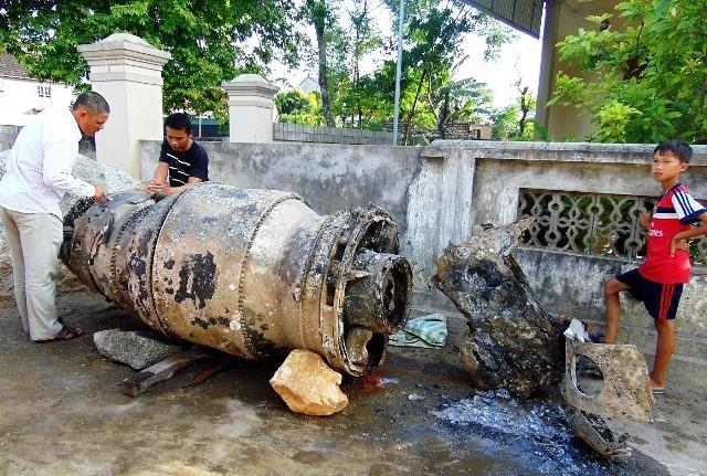 Bảo tàng Hà Tĩnh: Tiếp nhận phần động cơ máy bay F-8 của Mỹ bị rơi trên biển - anh 2