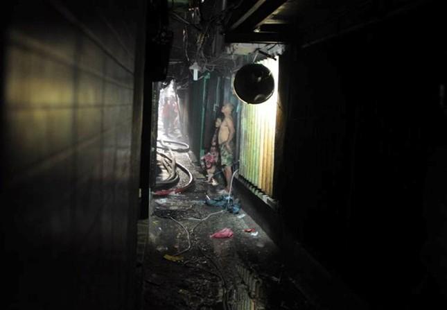 Cháy lớn ở trung tâm Sài Gòn, hàng trăm gia đình tháo chạy - ảnh 3