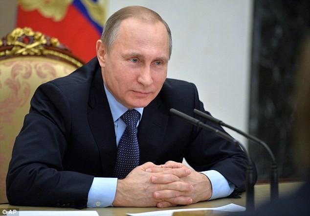 Ông Putin để ngỏ khả năng tiêu diệt IS bằng đầu đạn hạt nhân - ảnh 1