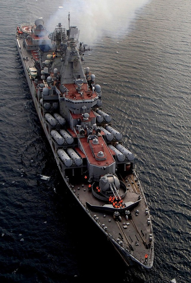 Sức mạnh tuần dương hạm Varyag thay thế soái hạm Mosvka ở Syria - ảnh 1