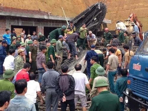 Sập giàn giáo cây xăng ở Hà Tĩnh: Nhiều công nhân chưa hết hoảng sợ - ảnh 1