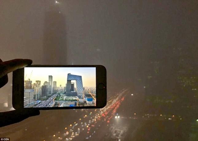 Chùm ảnh Bắc Kinh lung linh, ảm đạm trước và sau sương mù - ảnh 6