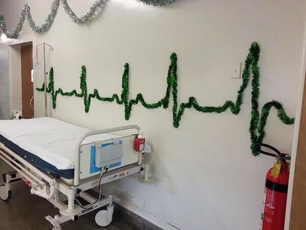 Ngắm những hình ảnh đón Giáng sinh cực 'chất' tại các bệnh viện - ảnh 2