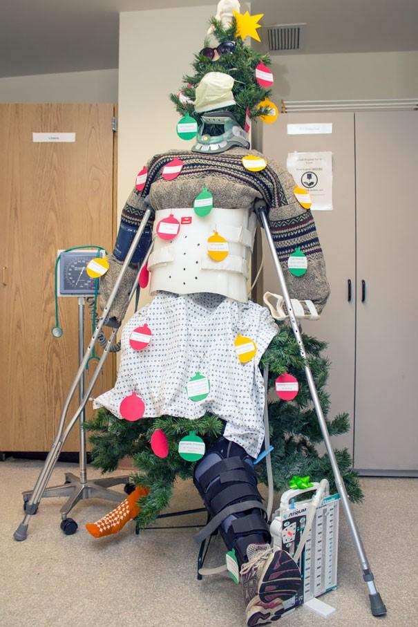 Ngắm những hình ảnh đón Giáng sinh cực 'chất' tại các bệnh viện - ảnh 10