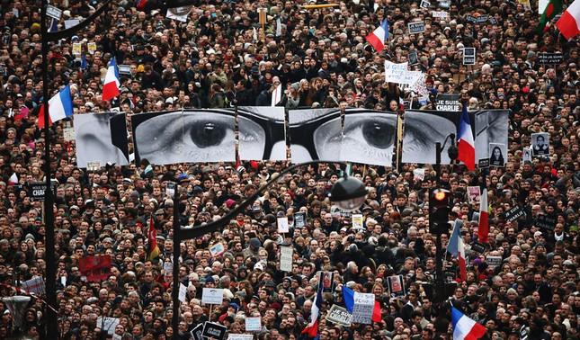 Nhìn lại thế giới năm 2015 qua những bức ảnh ấn tượng nhất - ảnh 1