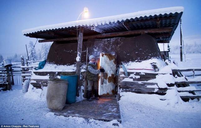 Khám phá cuộc sống tại ngôi làng lạnh nhất thế giới ở Nga - ảnh 5