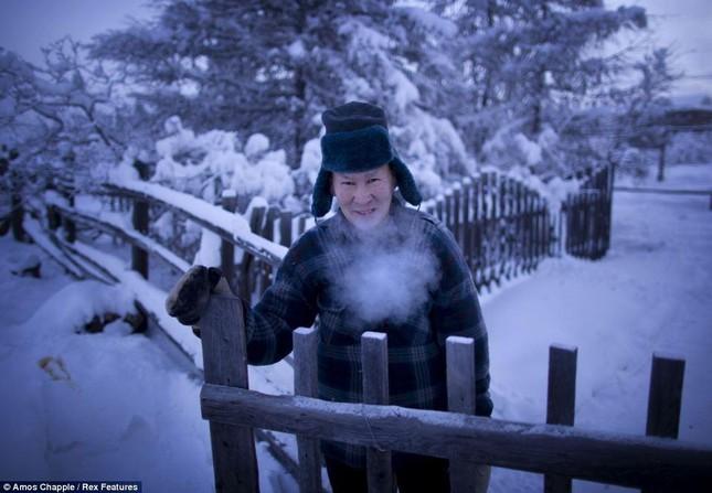 Khám phá cuộc sống tại ngôi làng lạnh nhất thế giới ở Nga - ảnh 10