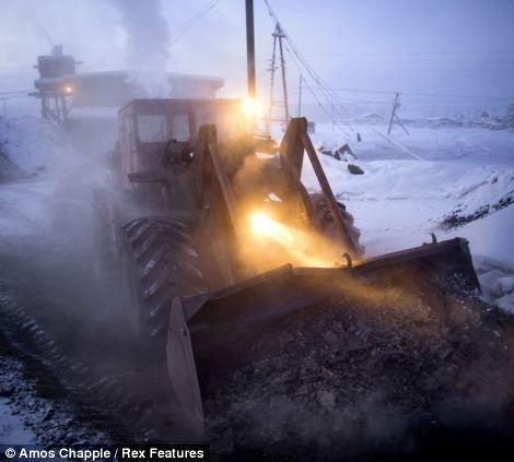 Khám phá cuộc sống tại ngôi làng lạnh nhất thế giới ở Nga - ảnh 16