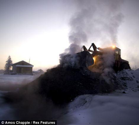 Khám phá cuộc sống tại ngôi làng lạnh nhất thế giới ở Nga - ảnh 17
