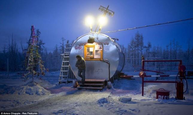 Khám phá cuộc sống tại ngôi làng lạnh nhất thế giới ở Nga - ảnh 18