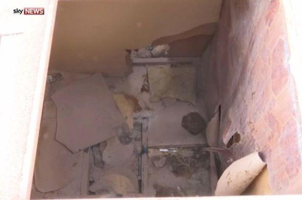Khung cảnh đáng sợ bên trong nhà tù IS giam giữ nữ tù nhân - ảnh 3