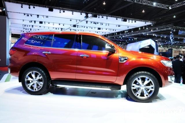 """Ford Everest 2016 """"chốt"""" giá thấp nhất 1,249 tỷ đồng tại Việt Nam - ảnh 3"""