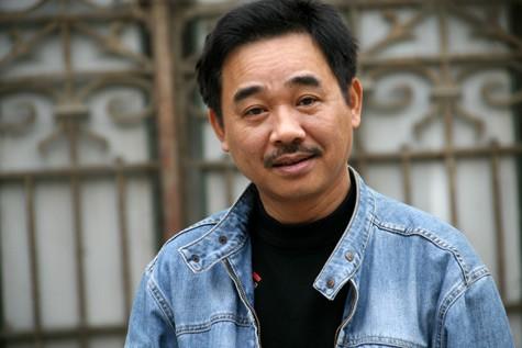 Vì sao Quốc Khánh ngoài 50 tuổi vẫn một mình lẻ bóng? - ảnh 1