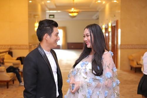 Phi Thanh Vân bụng bầu 'vượt mặt' cùng chồng đi sự kiện - ảnh 3