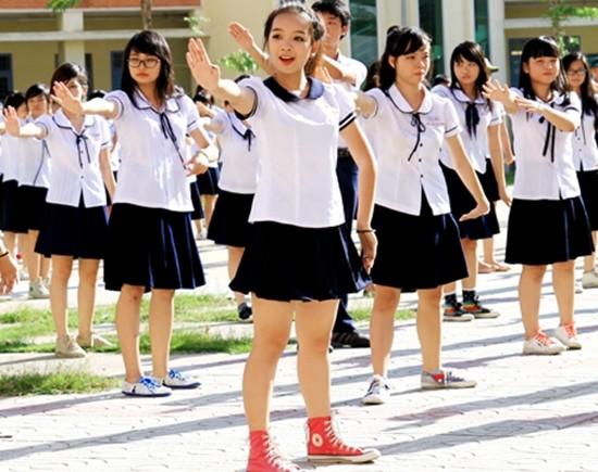 Bộ GD&ĐT yêu cầu báo cáo về may, mặc đồng phục học sinh - ảnh 1