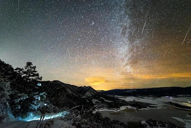Chùm ảnh mưa sao băng Geminid 2015 huyền ảo trên khắp thế giới - ảnh 1