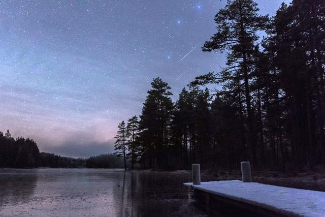 Chùm ảnh mưa sao băng Geminid 2015 huyền ảo trên khắp thế giới - ảnh 4