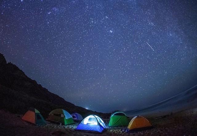 Chùm ảnh mưa sao băng Geminid 2015 huyền ảo trên khắp thế giới - ảnh 7