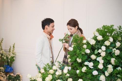 'Bạn trai' đưa Hoa hậu Kỳ Duyên đi chọn hoa cưới - ảnh 3