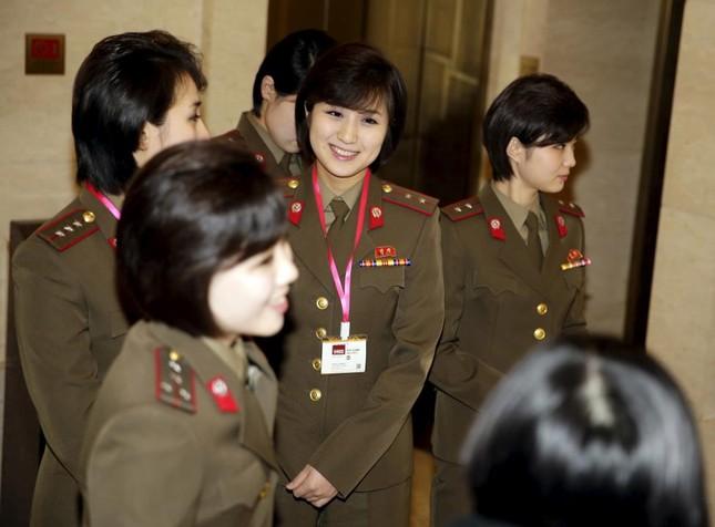 Ngỡ ngàng trước nhan sắc nhóm nhạc 'cưng' của ông Kim Jong-un - ảnh 2