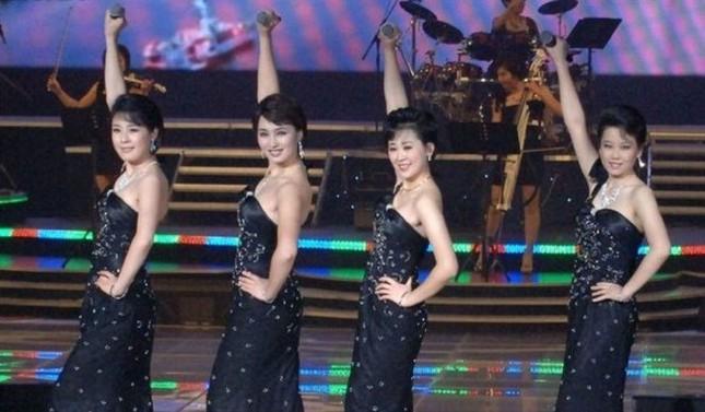 Ngỡ ngàng trước nhan sắc nhóm nhạc 'cưng' của ông Kim Jong-un - ảnh 3